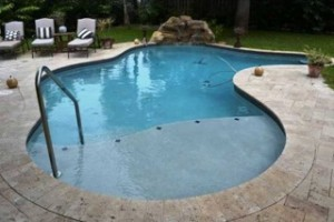 outdoor-pool-at-florida-coast-recovery